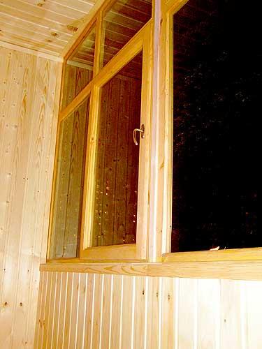 Проход по ст. михайлов. снято из окна поезда. - остекление б.